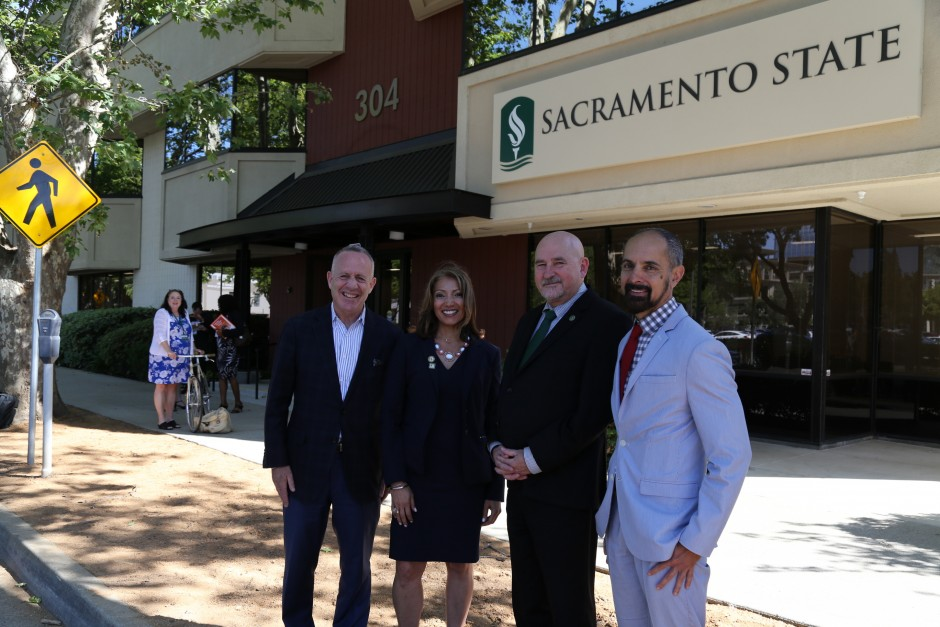 Mayors from Sacramento, Yuba City and West Sacramento pose with Sac State President Robert Nelsen